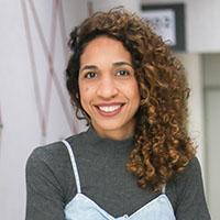 Prof. Larissa Santos