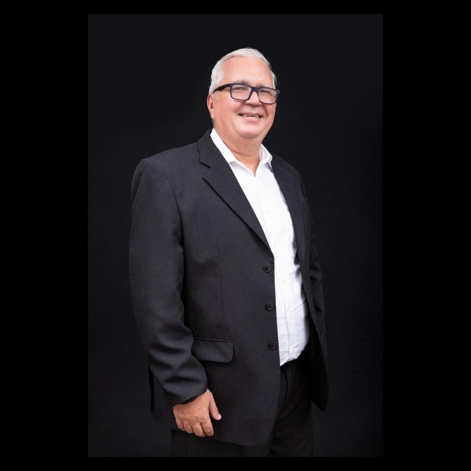 Prof. Me. Luiz Florival Cipriano
