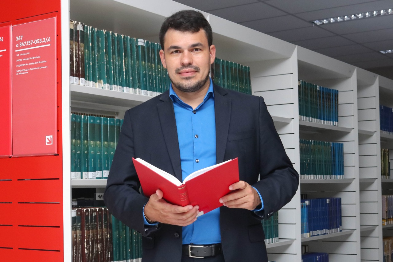 Prof.º Esp. Thyago Henriques