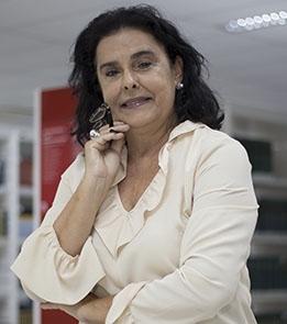 Iany Barros