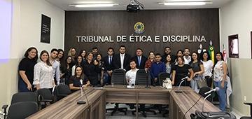 Alunos de direito do IESP realizam visita ao Tribunal de ética e disciplina da OAB