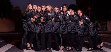 Concluintes de Fisioterapia fazem ensaio com jaleco preto em homenagem aos profissionais vítimas da covid-19