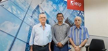 Presidente e vice da Academia Paraibana de Engenharia visitam IESP e convidam professor a palestrar