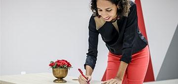 Professora Larissa Santos do IESP toma posse como coordenadora acadêmica da Associação Brasileira de Designers de Interiores