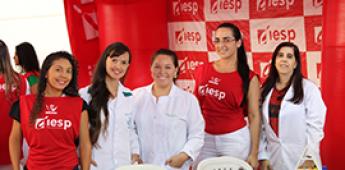 Professores do IESP participam da Feira de Profissões do Colégio IE