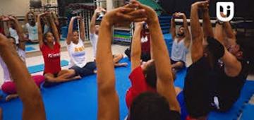 Uniesp promove prática de yoga gratuitamente para público geral