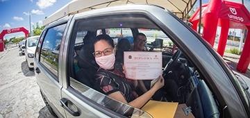 UNIESP realiza Colação de Grau e entrega de diplomas por drive thru